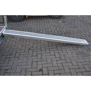 oprijplaat staal 246 cm 1100 kg